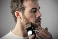 Mann trägt wieder Bart in Frankreich... auch am Arbeitsplatz