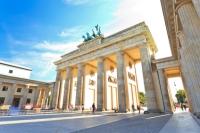 Recherche d'emploi ou de stage à Berlin : 5 questions réponses dans la communication, le domaine artistique, cinématographique, d'une agence de presse et la mode