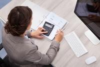 Où trouver des offres d'emploi et de stages en Allemagne dans le secteur de la banque et des assurances ?
