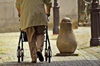 Berufstätigkeit und Angehörigenpflege - Gesetzeslage im Vergleich Deutschland versus Frankreich