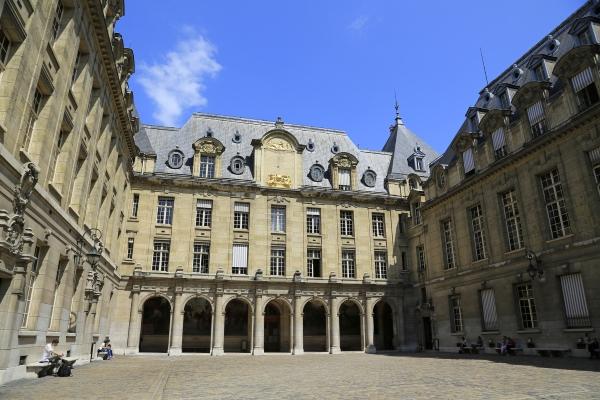 Studiengebühren in Frankreich und Deutschland