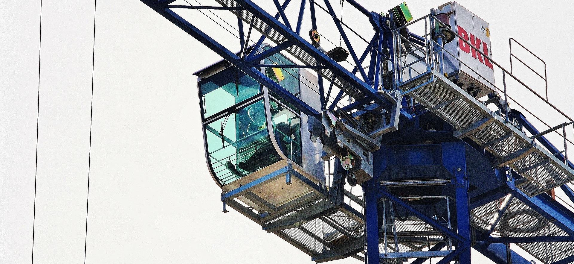crane-4077219_1920