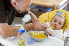 Les nouveaux pères allemands veulent pouponner