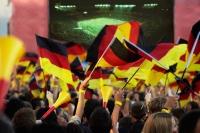 Les Allemands assidus au travail ? Faux : football et l'EURO obligent...